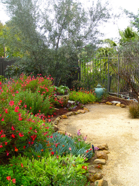 natural california style garden