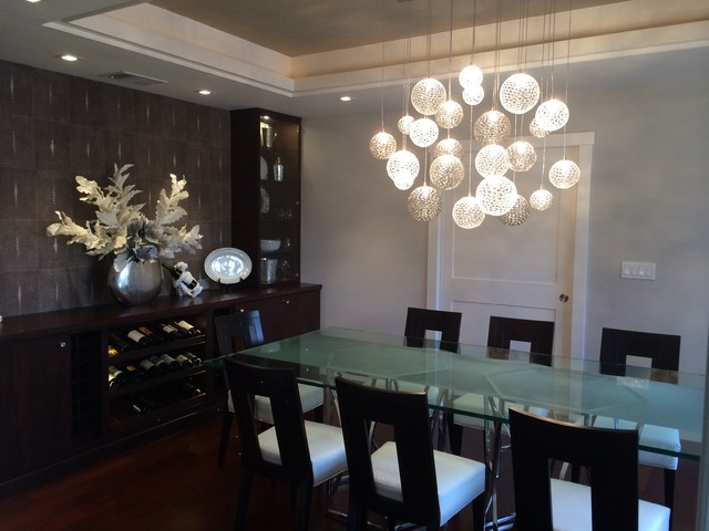 Mod Chandelier Contemporary Dining Room