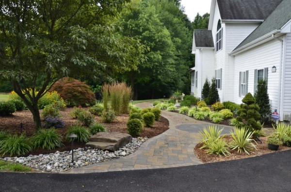 front yard curb appeal - huntingtown