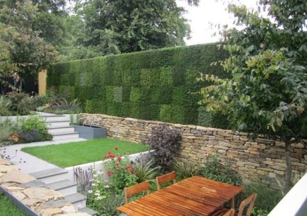modern landscaping vertical wall