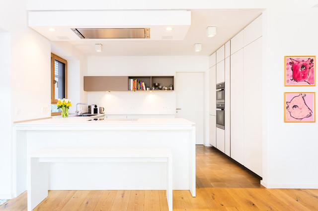schön, schlicht und weiß (243) - Modern - Küche - Frankfurt am Main - von Lang Küchen & Accessoires