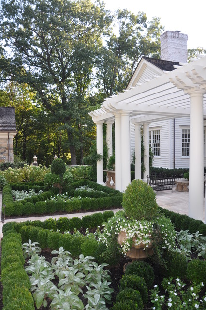 classic country white garden