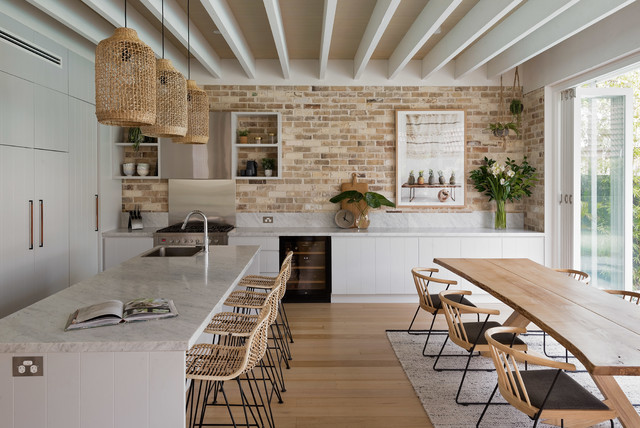 CAMMERAY FAMILY HOME beach-style-kitchen