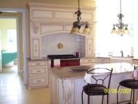 Luxury estate - Traditional - Kitchen - New York - by Viribus