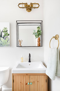 Beautiful White-and-Wood Bathrooms ( Photos)