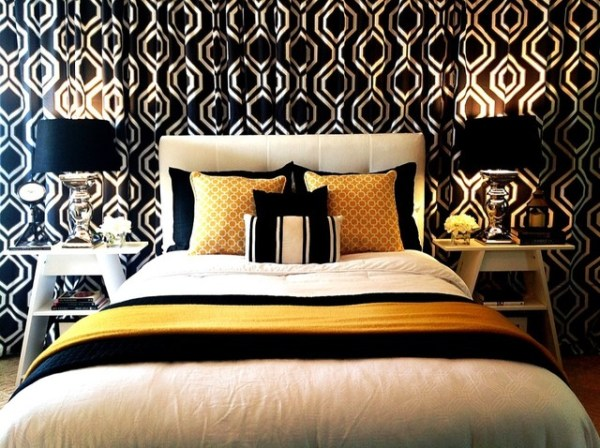 black and gold bedroom curtains Black, White and Gold / Yellow Bedroom With Curtain