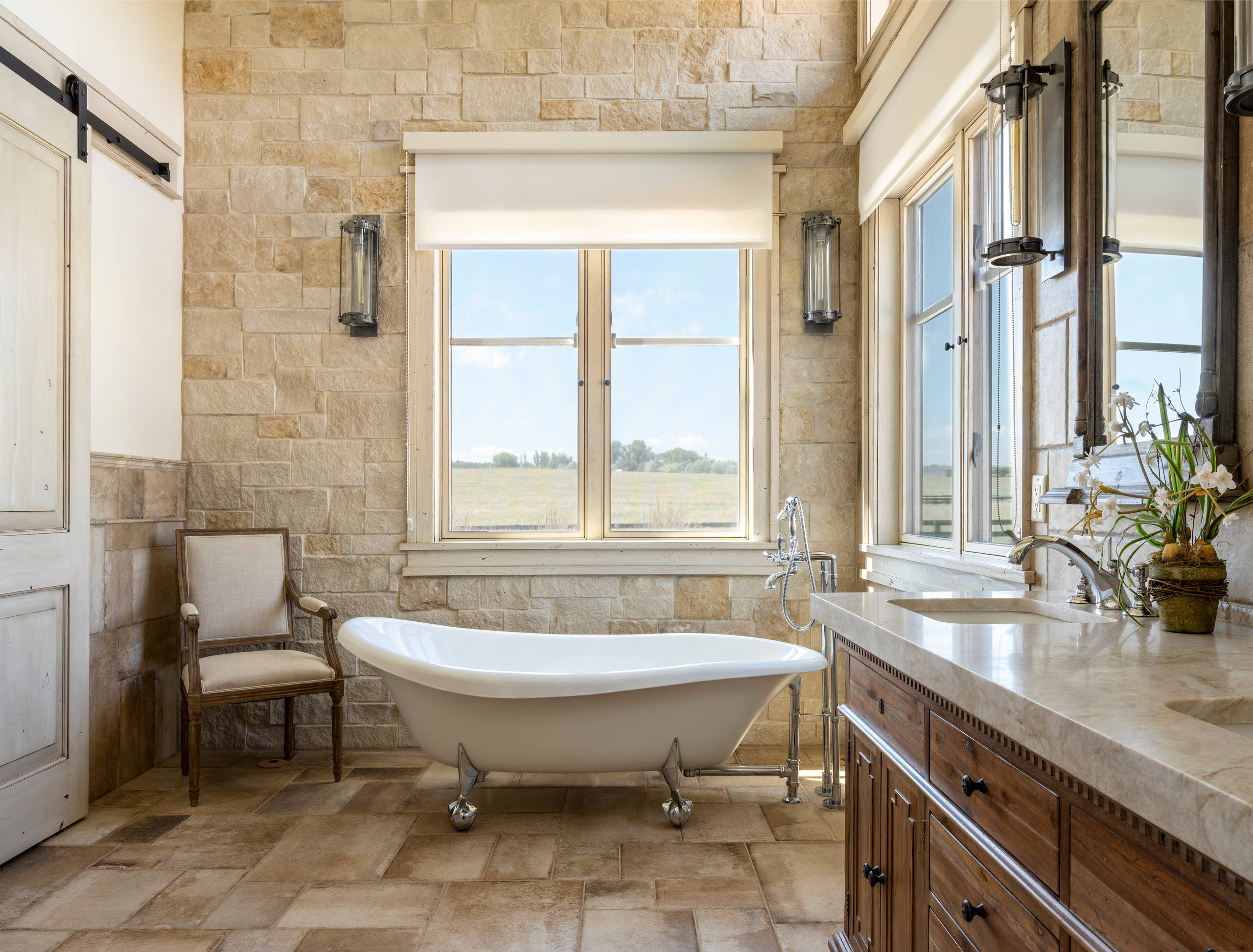75 Beautiful Farmhouse Claw Foot Bathtub Pictures Ideas