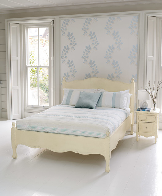 Laura Ashley Melcombe Wallpaper Eclectic Bedroom