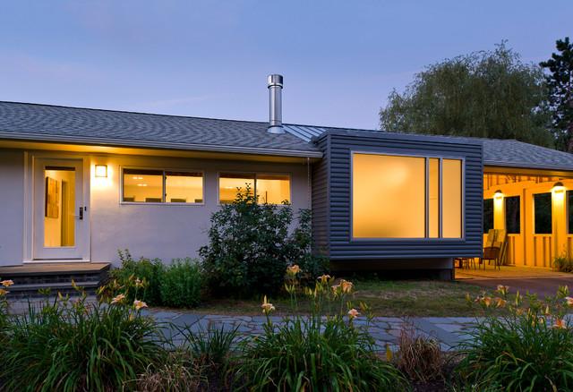 Modern Ranch House Addition Sudbury MA  Contemporary