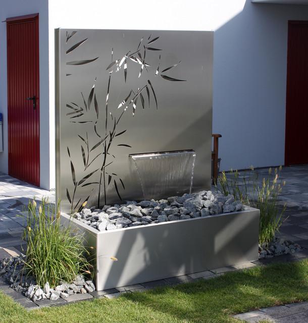 Eindrcke  Metall und Wasser im Garten