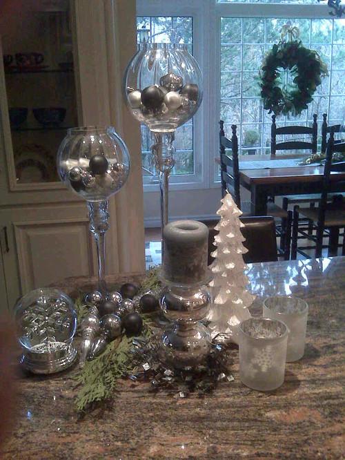 Kitchen Island Christmas Decor