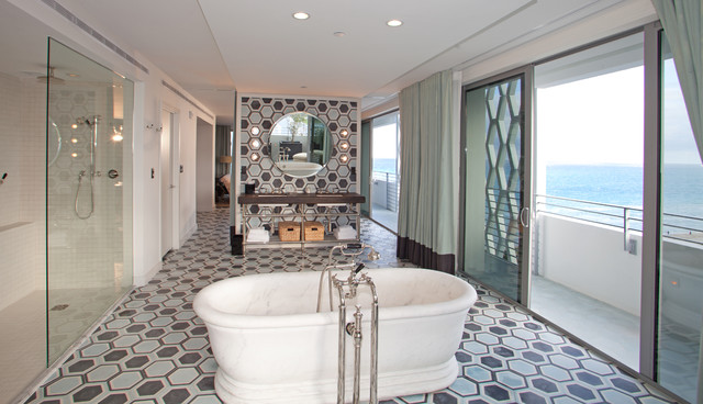 SOHO BEACH HOUSE  Modern  Bathroom  Miami  by SHULMAN