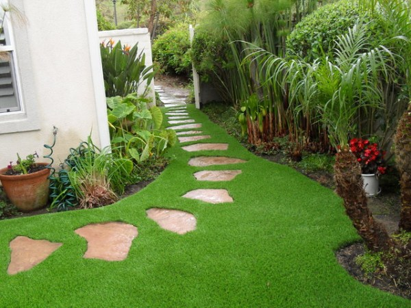 synthetic grass-grids pavers stepping