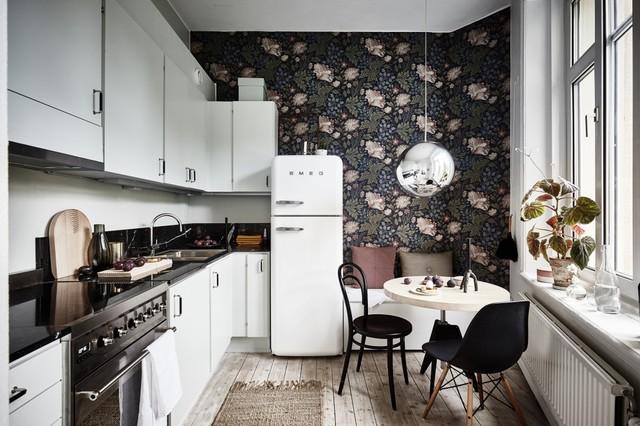 I due principali tipi di carta da parati consigliati per la cucina sono: 12 Carte Da Parati Per Rallegrare Una Cucina Bianca
