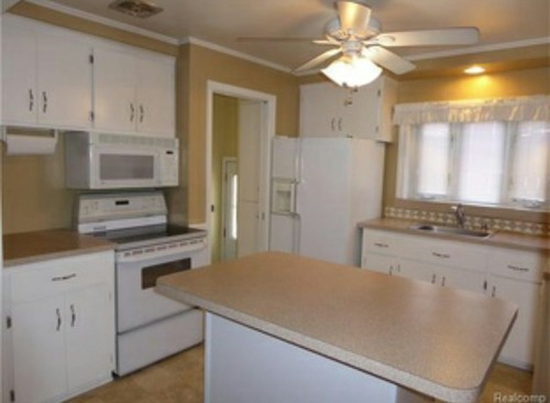Paint color ideas for kitchen with beigepink countertops