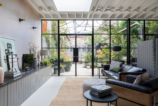 Houzz Tour: A Converted Victorian Dairy With A Magical Courtyard ( Photos)