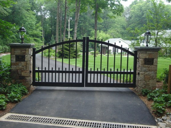 front entry piers & gates stone