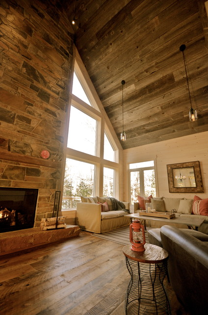 Cozy rustic family cottagecabin  Rustic  Family Room