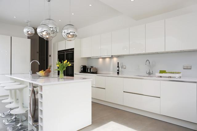 White gloss island kitchen  Contemporary  Kitchen  London  by LWK Kitchens London