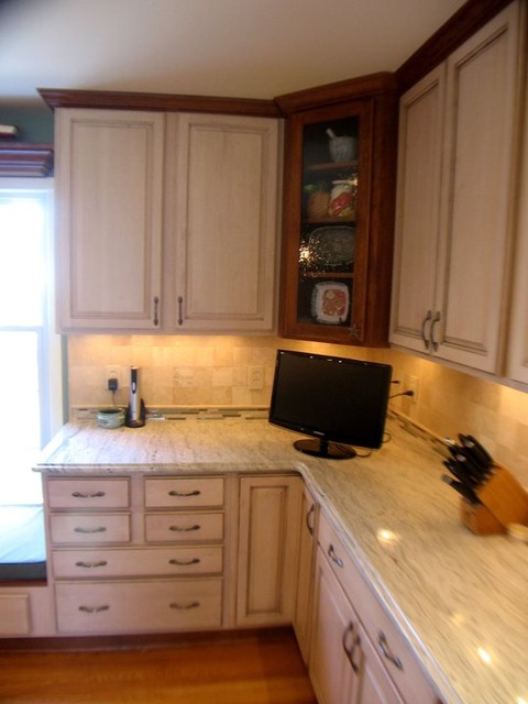 granite top kitchen island cheap ideas cherry/maple cabinets, ambroisa white granite, tile ...