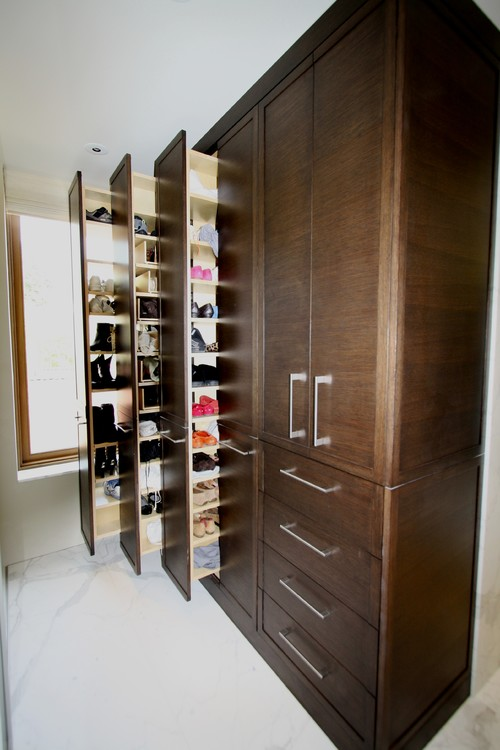 What kind of drawer slides are used for the tall shoe cabinet