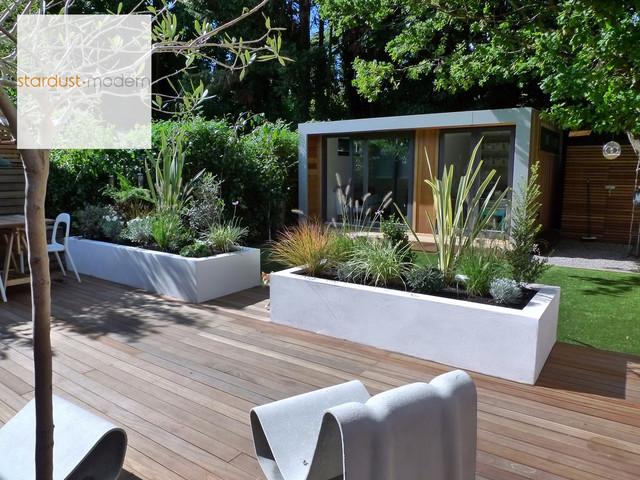 contemporary modern landscape design ideas for small urban gardens and patios