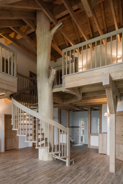 Baumhaus  Rustikal  Treppen  Nrnberg  von BTHE