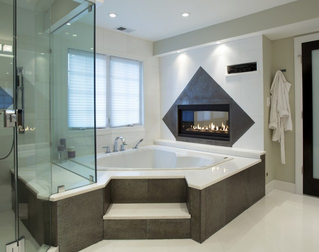 Spa Treatment at Home with Stunning Bath and Walkin