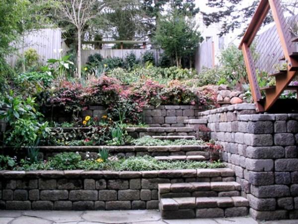 tiered retaining wall - contemporary
