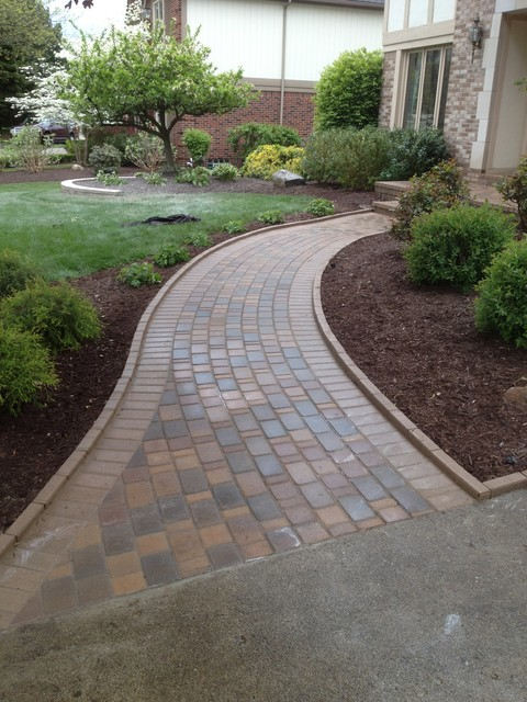 paver walkways - traditional