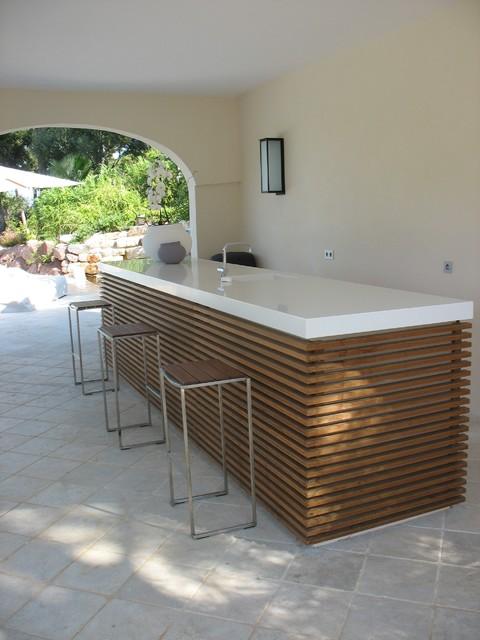 BAR contemporain-terrasse-et-patio