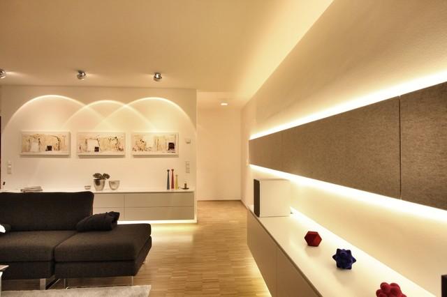 Haus 1  Wohnzimmer Beleuchtung  Modern  Wohnzimmer  Stuttgart  von SCHATZ LICHTDESIGN