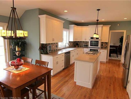 kitchen counter overhang bistro need help with a layout...possible very large ...