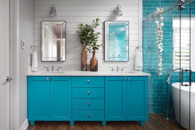space between double sinks in the bathroom