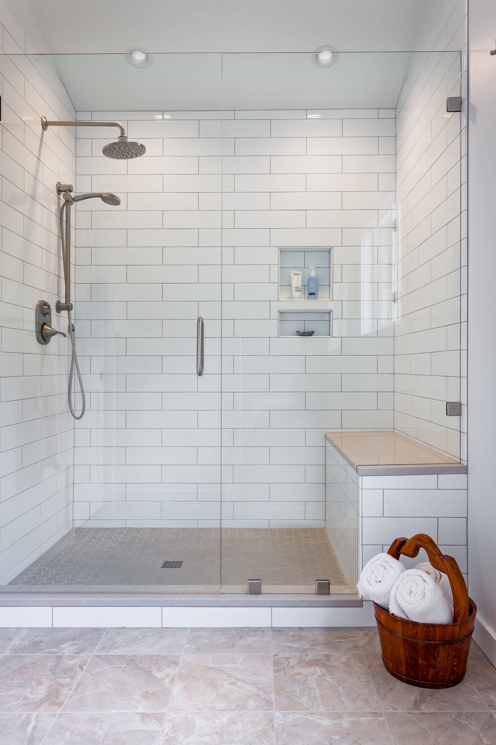 travertine floor bathroom designs
