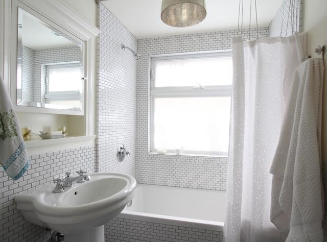 10 jolis rideaux de douche pour