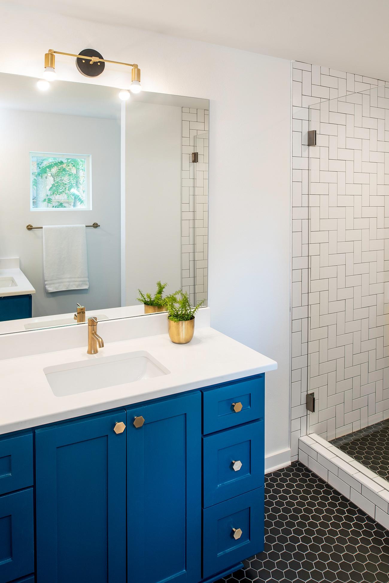 cobalt blue bathroom ideas photos houzz