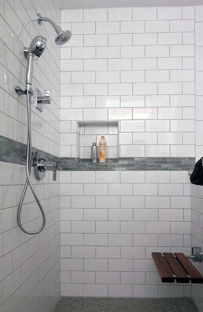 white subway tile shower klassisch