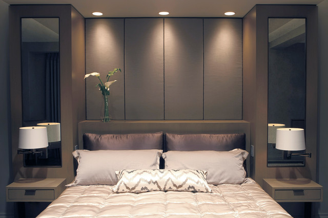 Built In Bed With Upholstered Panels Modern Bedroom New York By Aguirre Design Houzz Uk