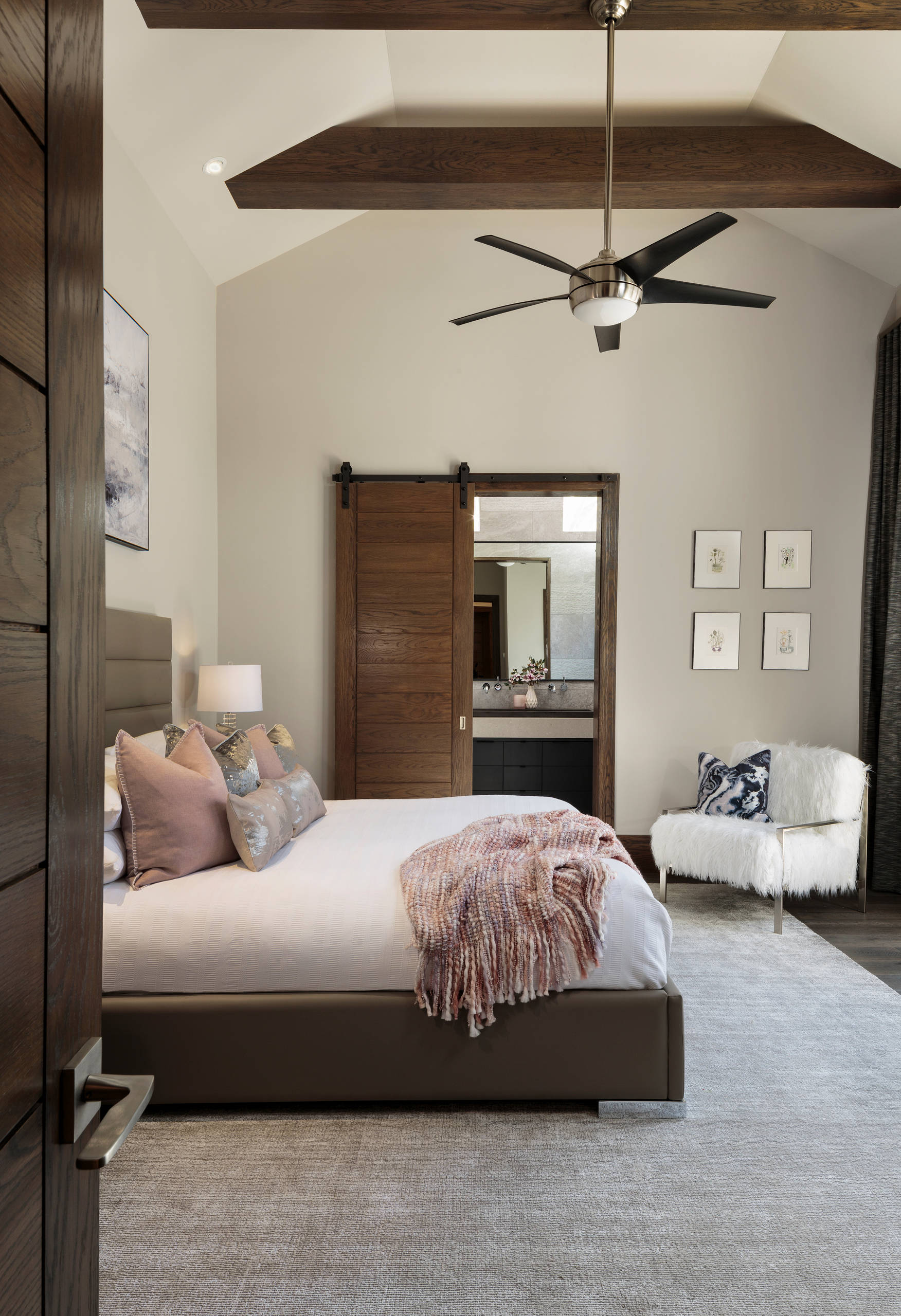 75 Beautiful Modern Bedroom Pictures Ideas October 2020 Houzz