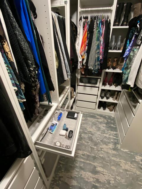 Les solutions dressing d'ikea vous permettent de créer votre penderie. Ikea Master Closet Built Ins Classique Chic Armoire Et Dressing Par Avi Rogers Handyman Houzz