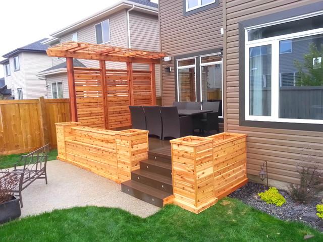 Cedar Planters With Privacy Screen And Pergola Craftsman Deck Edmonton By Edmonton Custom Decks Houzz Au