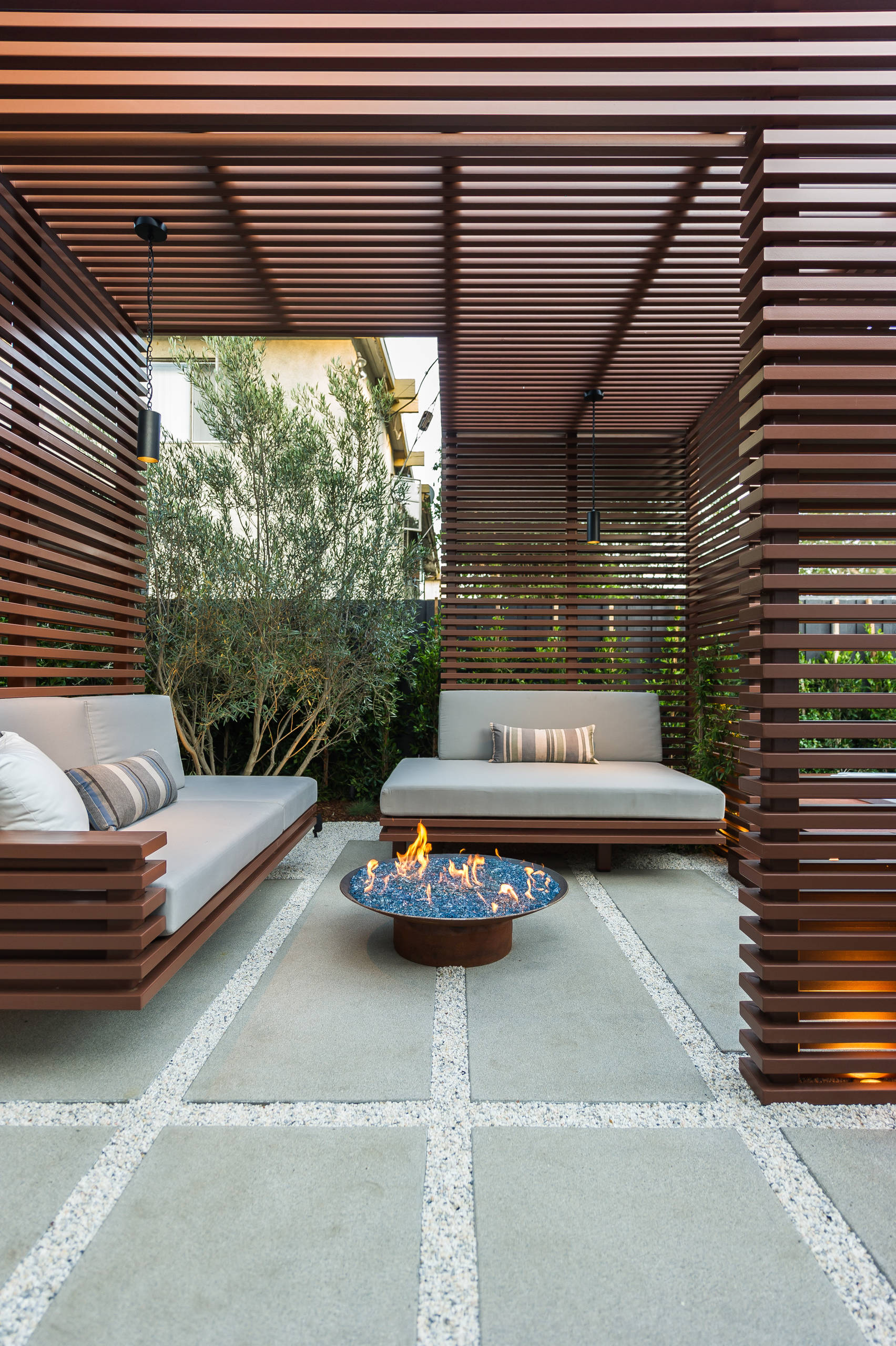 12 outdoor screen ideas that are pretty
