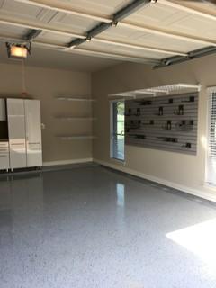 garage avec un bureau studio ou