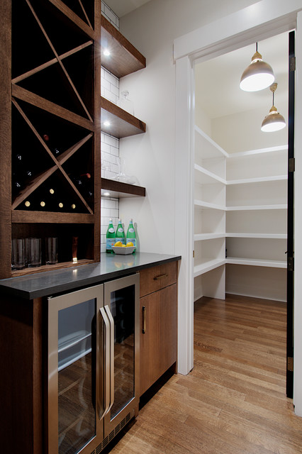 Butlers Pantry With Large Walk In Pantry Contemporary Kitchen Calgary By Veranda Estate Homes Inc Houzz Au