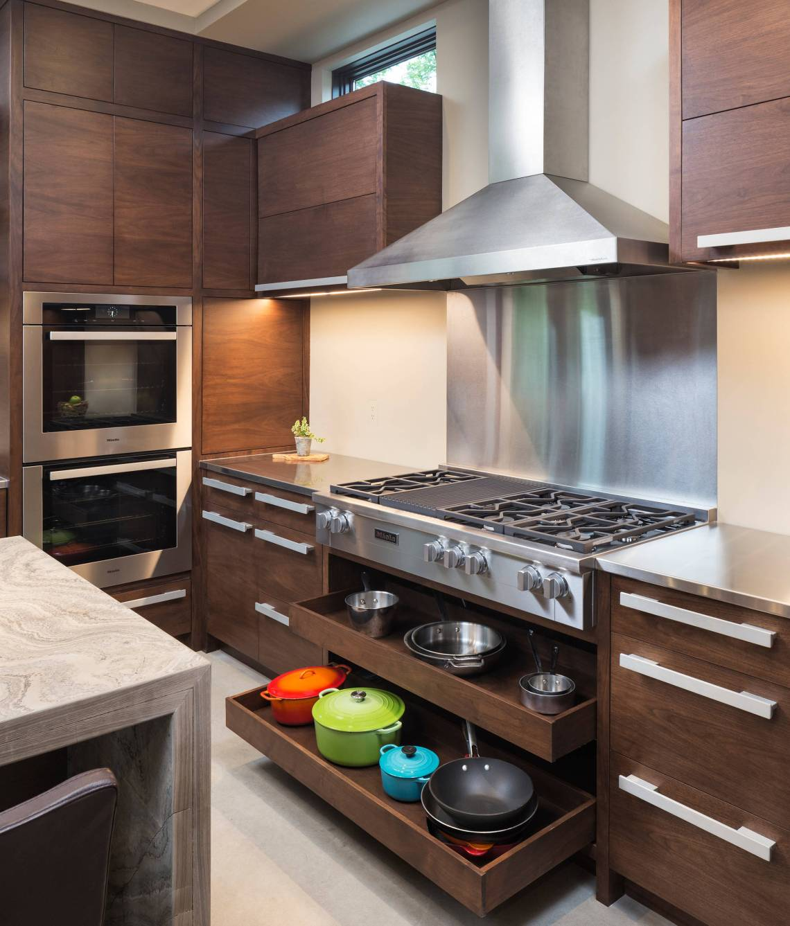 75 Beautiful Small Kitchen Pictures Ideas August 2021 Houzz