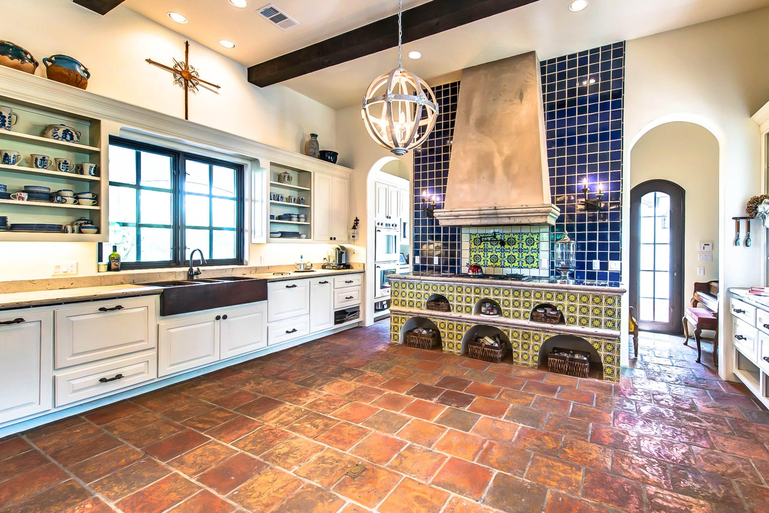 spanish rustic kitchen photos houzz