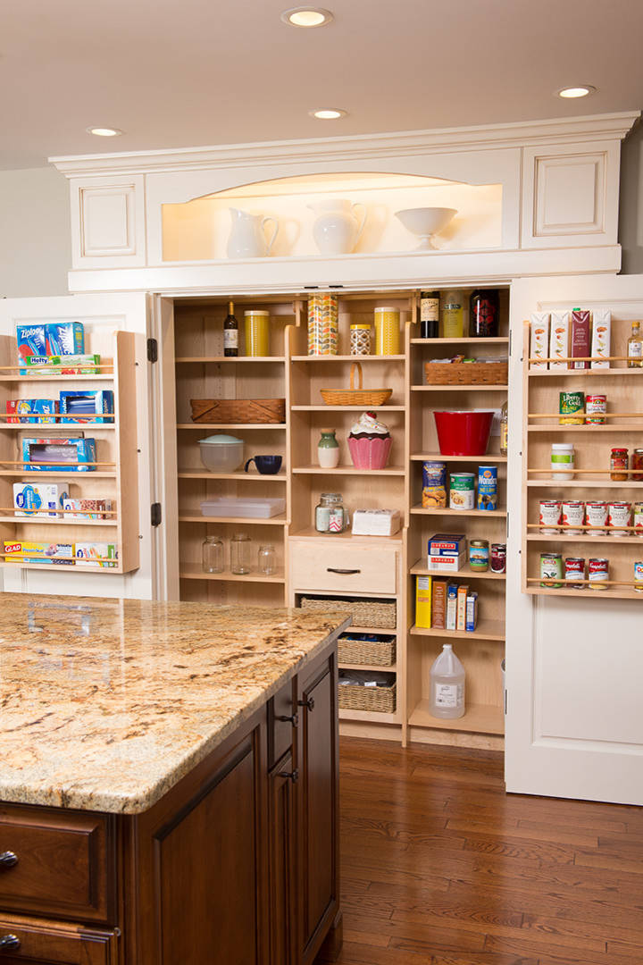 75 Beautiful Kitchen Pantry With Dark Wood Cabinets Pictures Ideas January 2021 Houzz