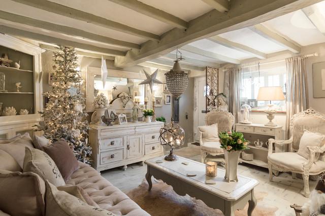 Lo stile shabby chic ci viene in aiuto con i suoi colori chiari e luminosi e i suoi piacevoli tessuti naturali. Kent Cottage Shabby Chic Style Living Room London By Chris Snook Houzz