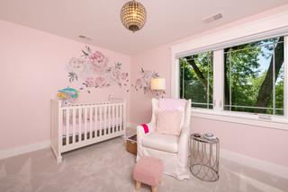 chambre de bebe rose avec moquette